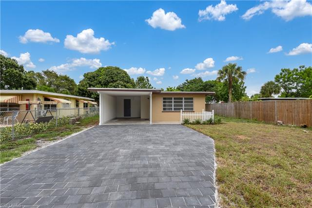 273 Kingston Dr, Fort Myers, FL 33905