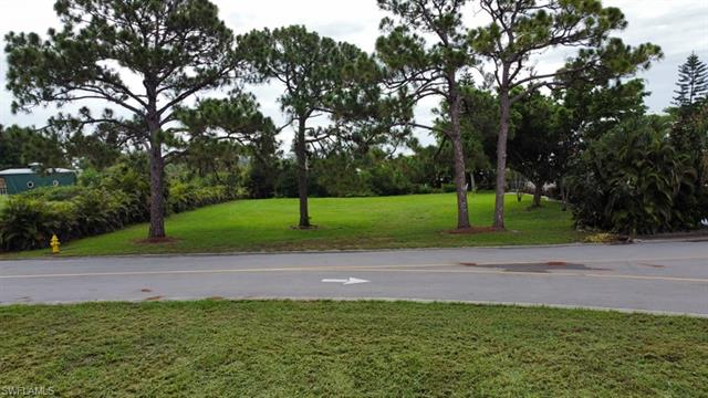 6104 Marsh Point Ln, North Fort Myers, FL 33917