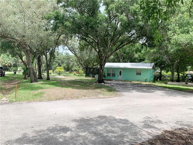 2431 Lippincott Rd, Alva, FL 33920