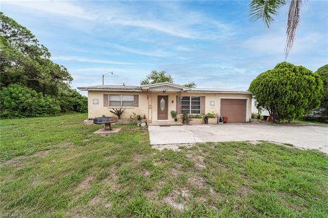 607 Pondella Rd, North Fort Myers, FL 33903