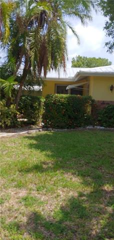 215 Santa Monica Ct, Cape Coral, FL 33904