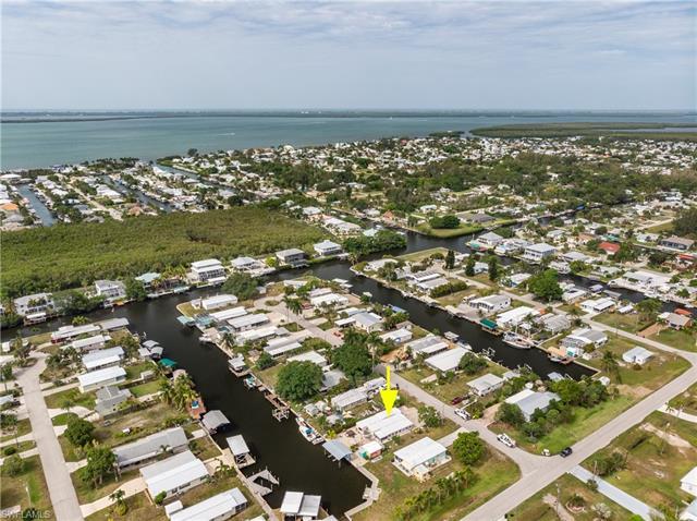2776 Patterson Ct, St. James City, FL 33956