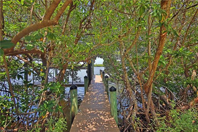 952 S Seas Plantation Rd, Captiva, FL 33924