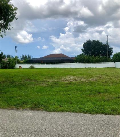 607 Se 31st St, Cape Coral, FL 33904