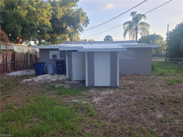 1322 Old Bridge Rd, North Fort Myers, FL 33917
