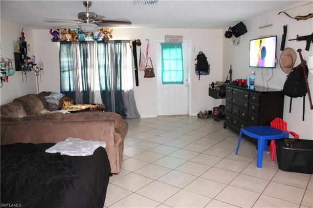 2616 Se 16th Pl 1-2, Cape Coral, FL 33904