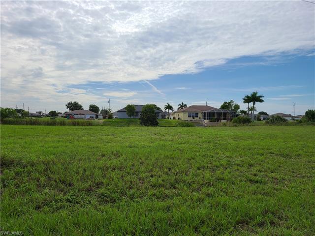 1415 Ne 8th Pl, Cape Coral, FL 33909