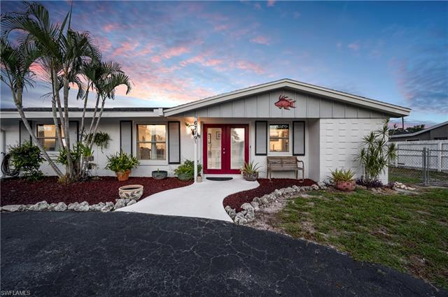 6719 Overlook Dr, Fort Myers, FL 33919