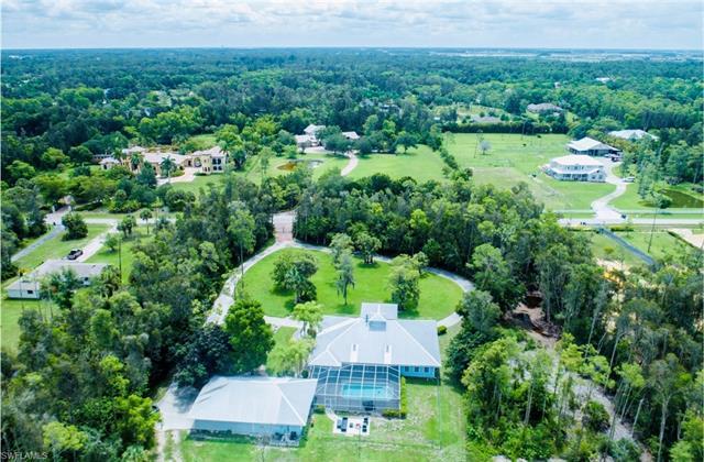 15820 Shamrock Dr, Fort Myers, FL 33912