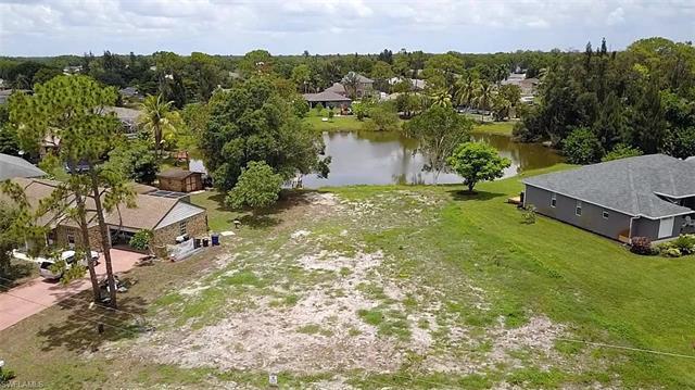 18613 Cedar Dr W, Fort Myers, FL 33967