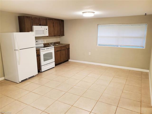 104 4th St 2, Fort Myers, FL 33907