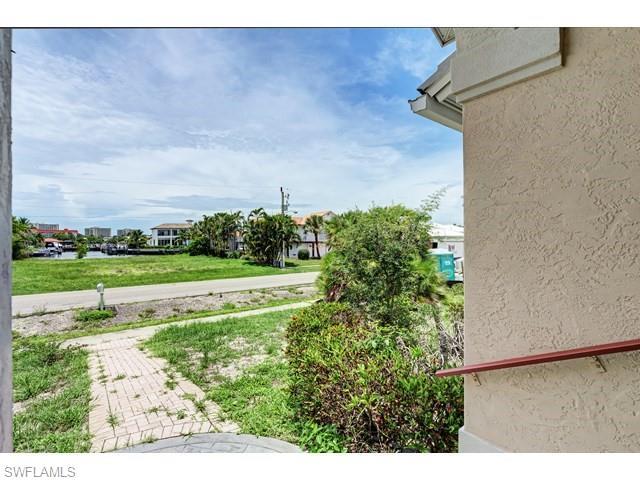 355 Copperfield Ct, Marco Island, FL 34145