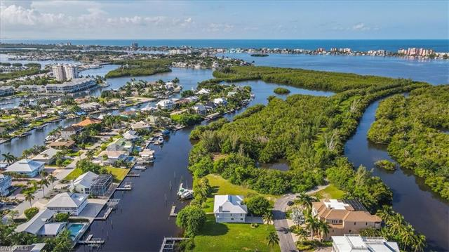 18211 Old Pelican Bay Dr, Fort Myers Beach, FL 33931