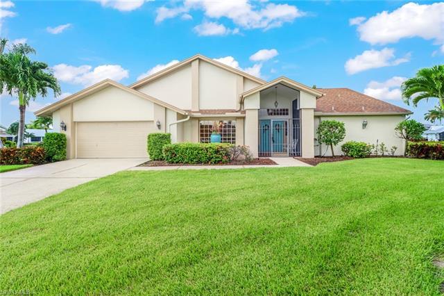 6910 Julie Ann Ct, Fort Myers, FL 33919