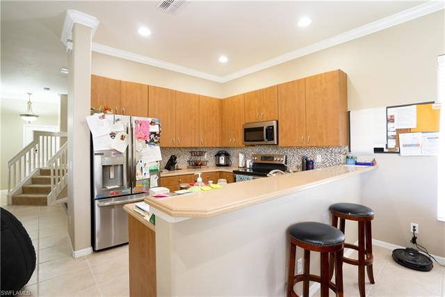 9089 Red Canyon Dr, Fort Myers, FL 33908