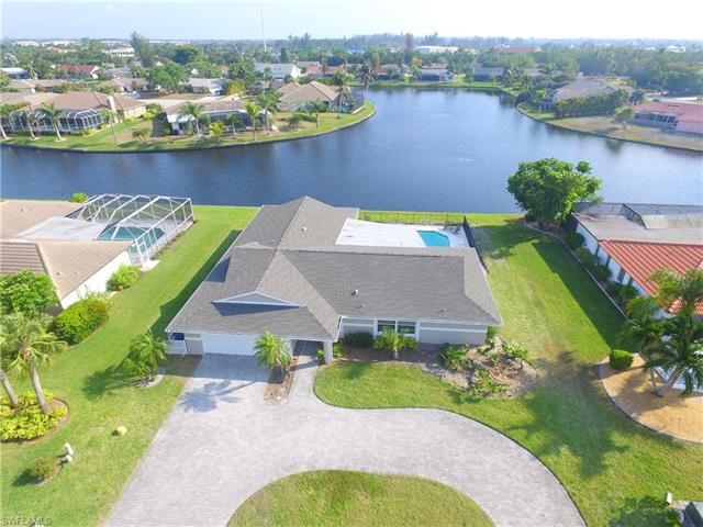 922 S Town And River Dr, Fort Myers, FL 33919