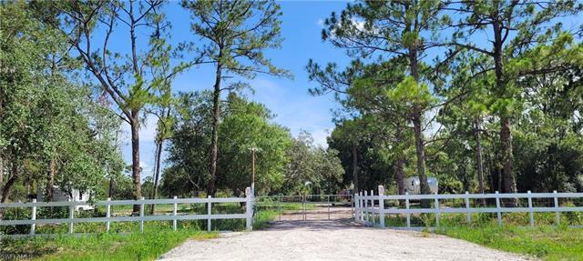 378 Hunting Club Ave, Clewiston, FL 33440