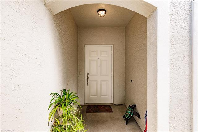 8113 Pacific Beach Dr, Fort Myers, FL 33966
