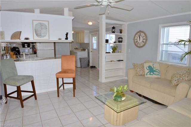30 Emily Ln, Fort Myers Beach, FL 33931