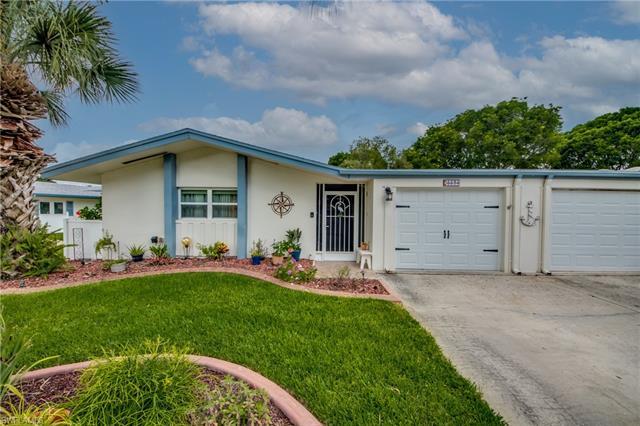 5574 Hamlet Ln, Fort Myers, FL 33919
