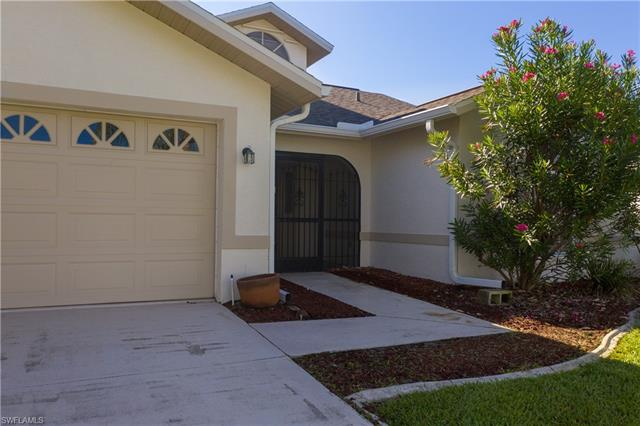 17734 Acacia Dr, North Fort Myers, FL 33917