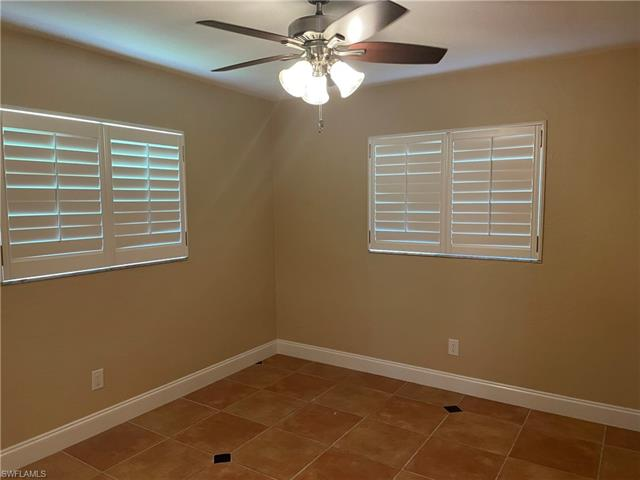 154 Sw 52nd St, Cape Coral, FL 33914