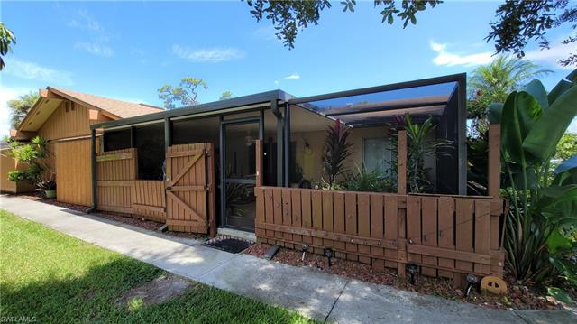 5625 Foxlake Dr, North Fort Myers, FL 33917