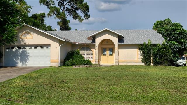 17565 Braddock Rd, Fort Myers, FL 33967