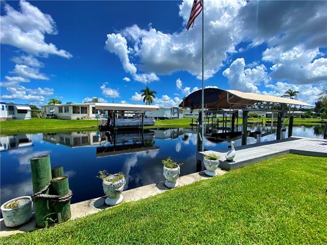 22 Channel Ln, Fort Myers, FL 33905