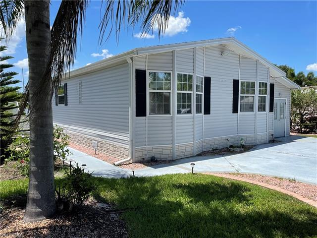 5848 Brightwood Dr, Fort Myers, FL 33905