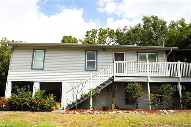 8127 Almeria Rd B, Fort Myers, FL 33967
