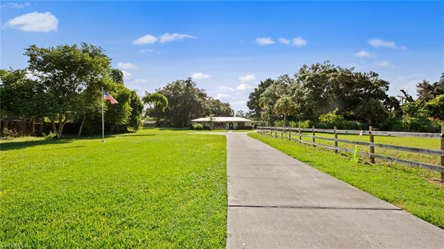 2232 Randolph Dr, Fort Myers, FL 33905