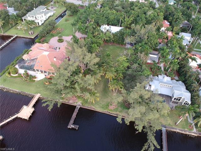 2626 Shriver Dr, Fort Myers, FL 33901