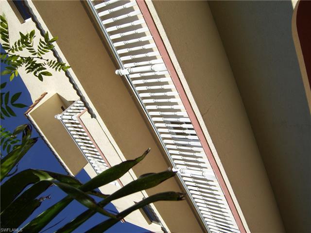 265 Mango St, Fort Myers Beach, FL 33931