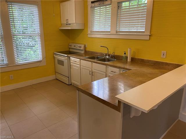 1620 Woodford Ave, Fort Myers, FL 33901
