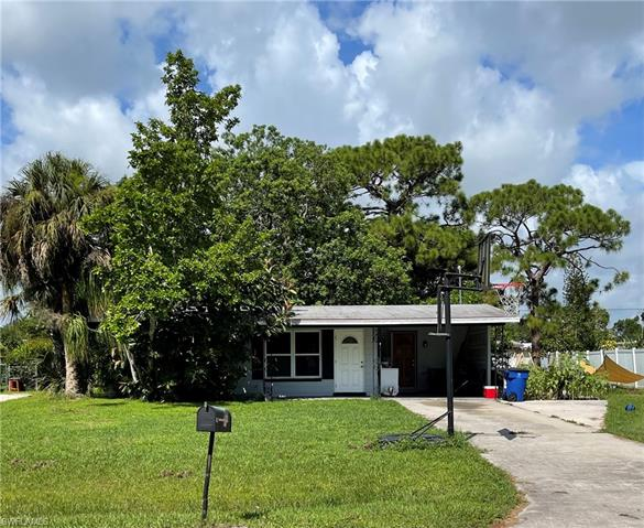871 June Pky, North Fort Myers, FL 33903