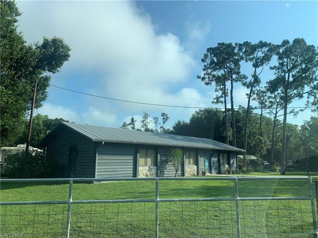 725 Sanctuary Rd, Naples, FL 34120