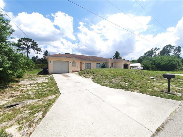1412 E 12th St, Lehigh Acres, FL 33972