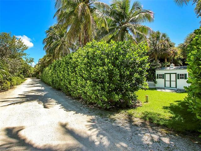 470 Sawgrass Pl, Sanibel, FL 33957