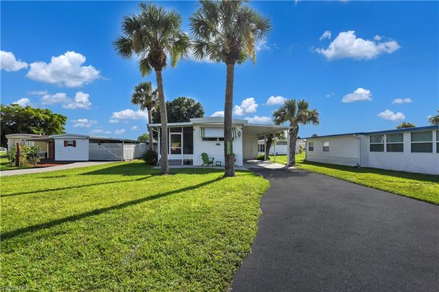 15391 Hart Rd, North Fort Myers, FL 33917