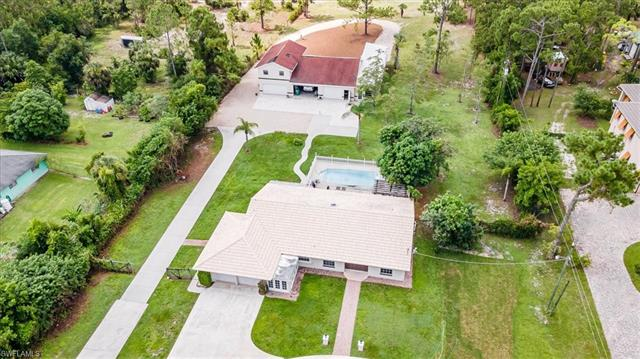 3650 7th Ave Nw, Naples, FL 34120