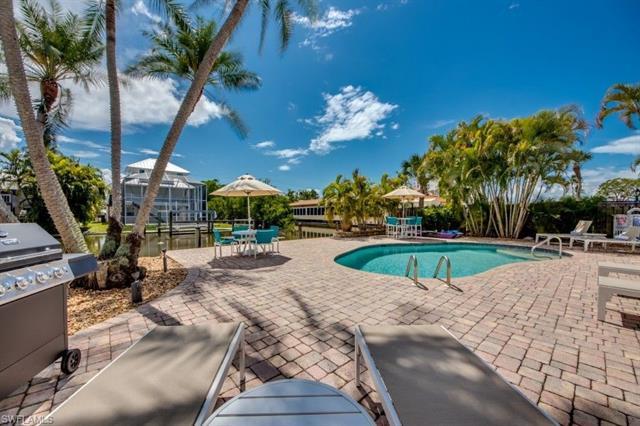 110 Bahia Via, Fort Myers Beach, FL 33931