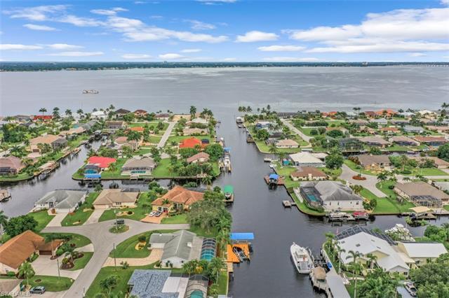 2524 Se 24th Pl, Cape Coral, FL 33904