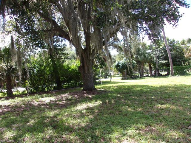 7728 Breeze Dr, North Fort Myers, FL 33917