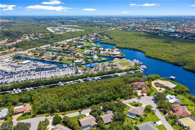840 Deep Lagoon Ln, Fort Myers, FL 33919
