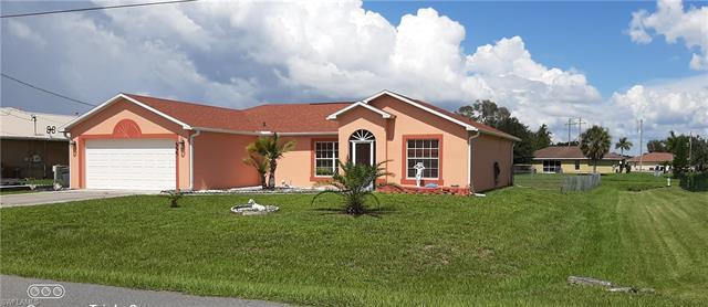 827 Sea Urchin Cir, Fort Myers, FL 33913