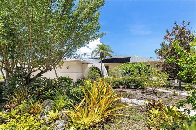 1551 Covington Cir E, Fort Myers, FL 33919