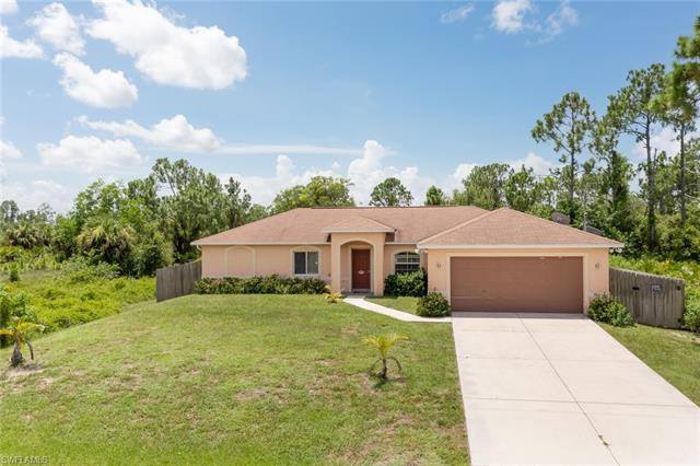 864 Nimitz Blvd, Lehigh Acres, FL 33974