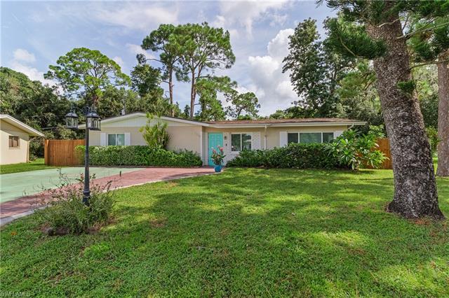1220 Pondella Cir, North Fort Myers, FL 33903