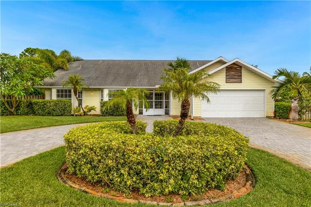8209 Sandpiper Rd, Fort Myers, FL 33967